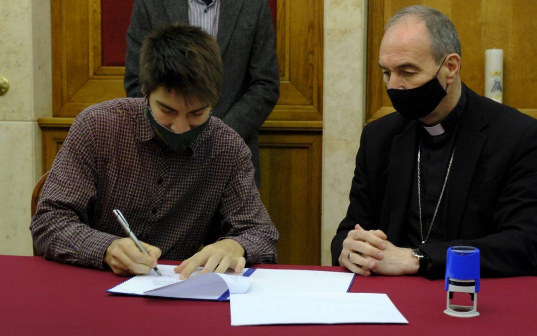 Átadták a Pécsi Egyházmegye és PTE közös ösztöndíjait